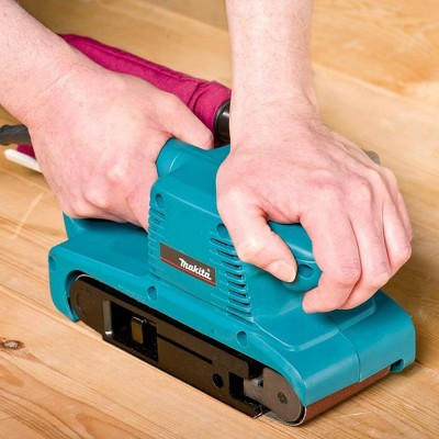 MAKITA 9911 pásová bruska  76x457mm 650W regulece