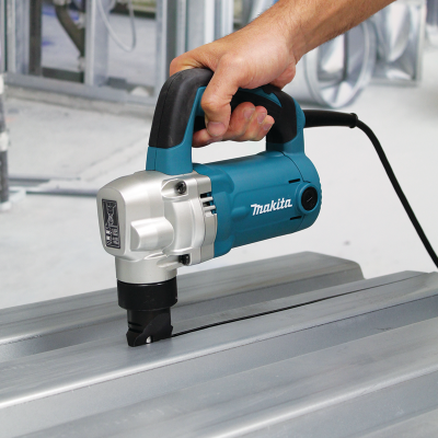 MAKITA JN3201J prostřihovač 3,2mm 710W systainer
