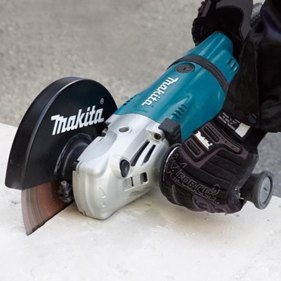 MAKITA GA9030RF01 úhlová bruska 230mm 2400W